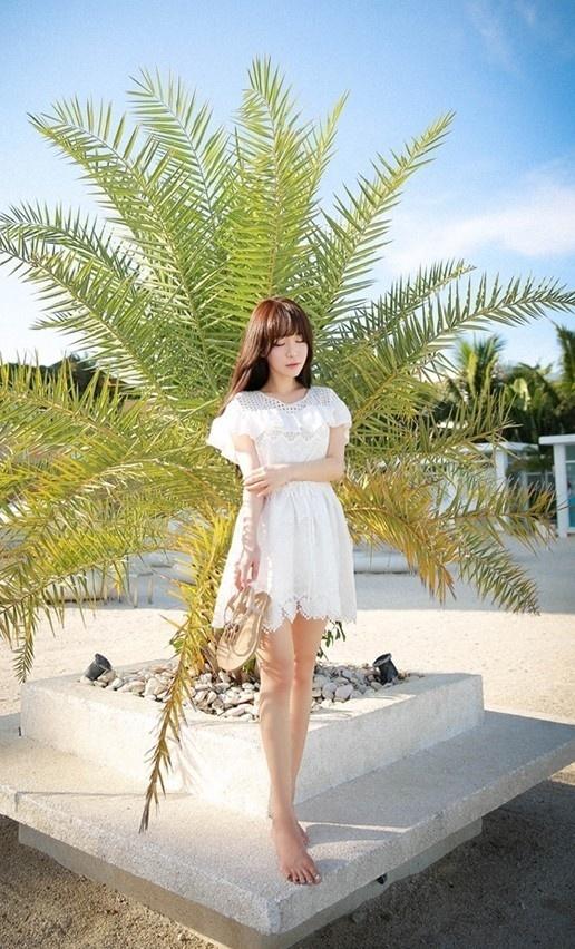 白嫩长腿美女性感美腿时尚街拍美女写真