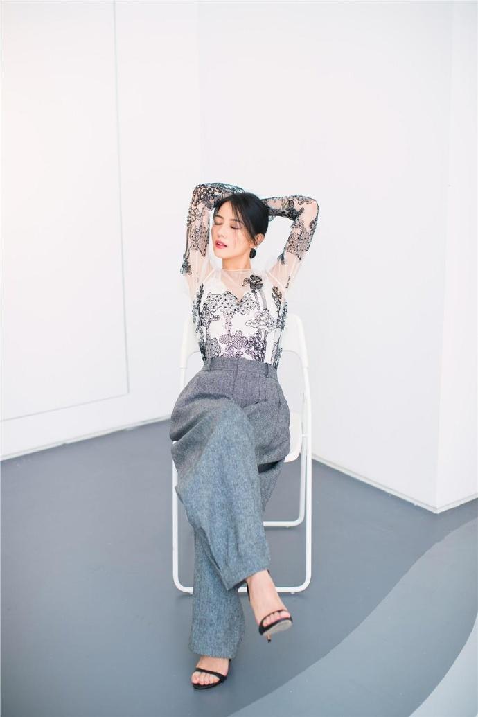 高圆圆薄纱透视裙性感写真