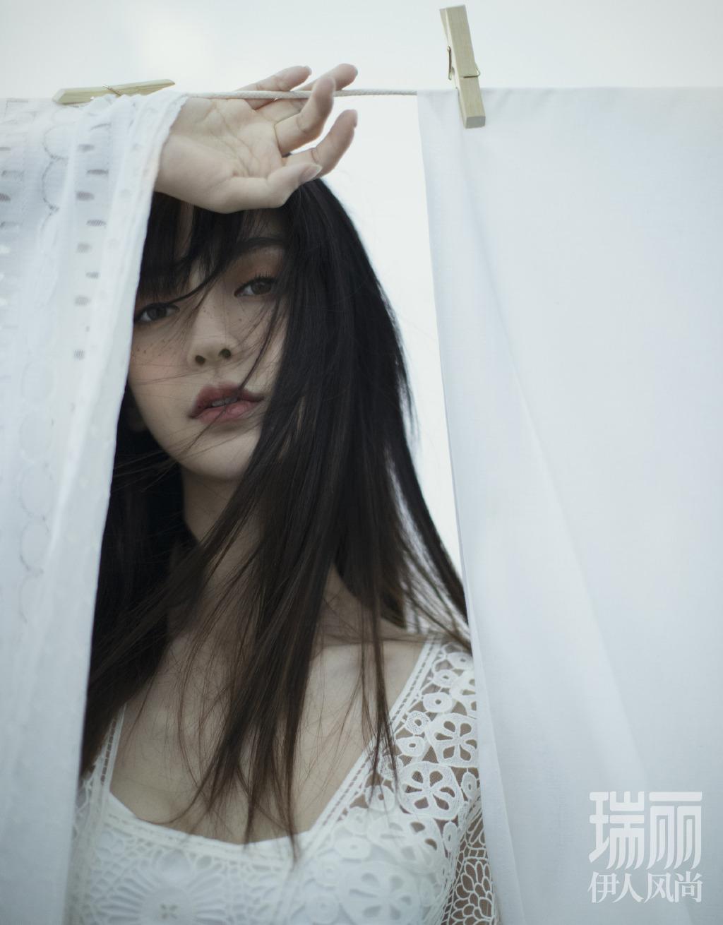 angelababy雀斑妆时尚写真