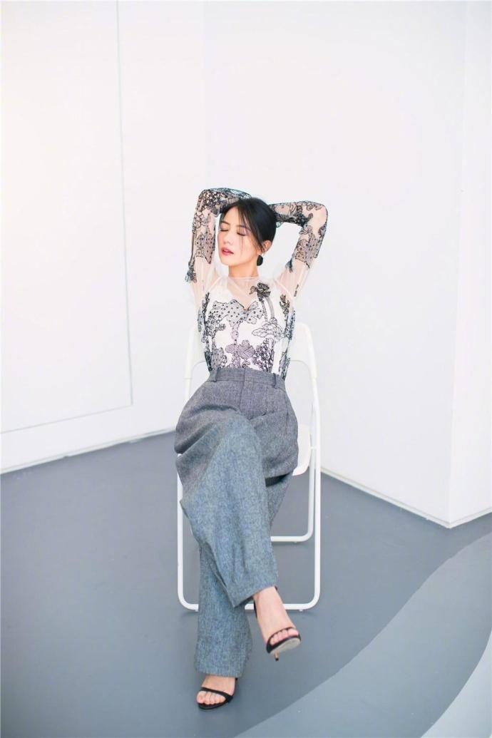 高圆圆薄纱透视裙性感女神范迷人写真
